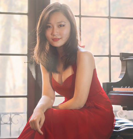 pic ws Wenting Shi piano fullbody cropped